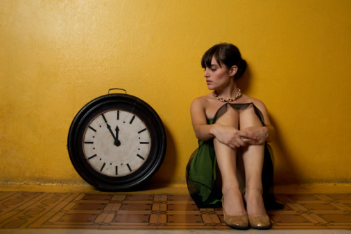 girl-clock